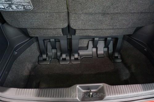 トヨタ新型エスティマ画像0371