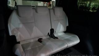 新型エスティマ 電動格納シートを体験。試して分かった欠点とは?