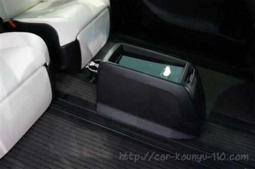 トヨタ新型エスティマ画像00018